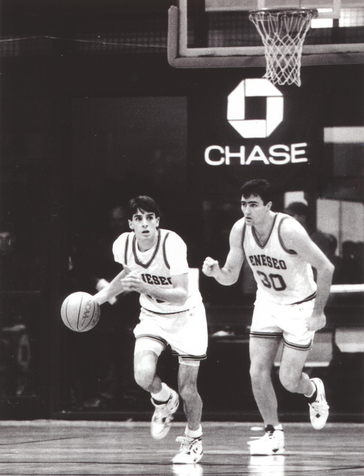 Scott Fitch (with ball) and Scott Tudman